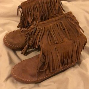 Shoes - Brown fringe moccasin boots